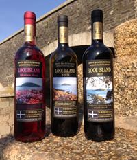 Looe Island wine gift set.